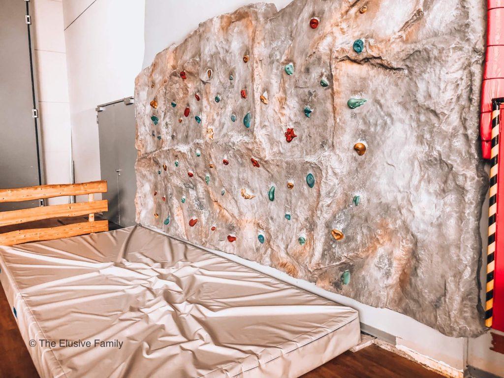 Sensapolis-Small Climbing Wall